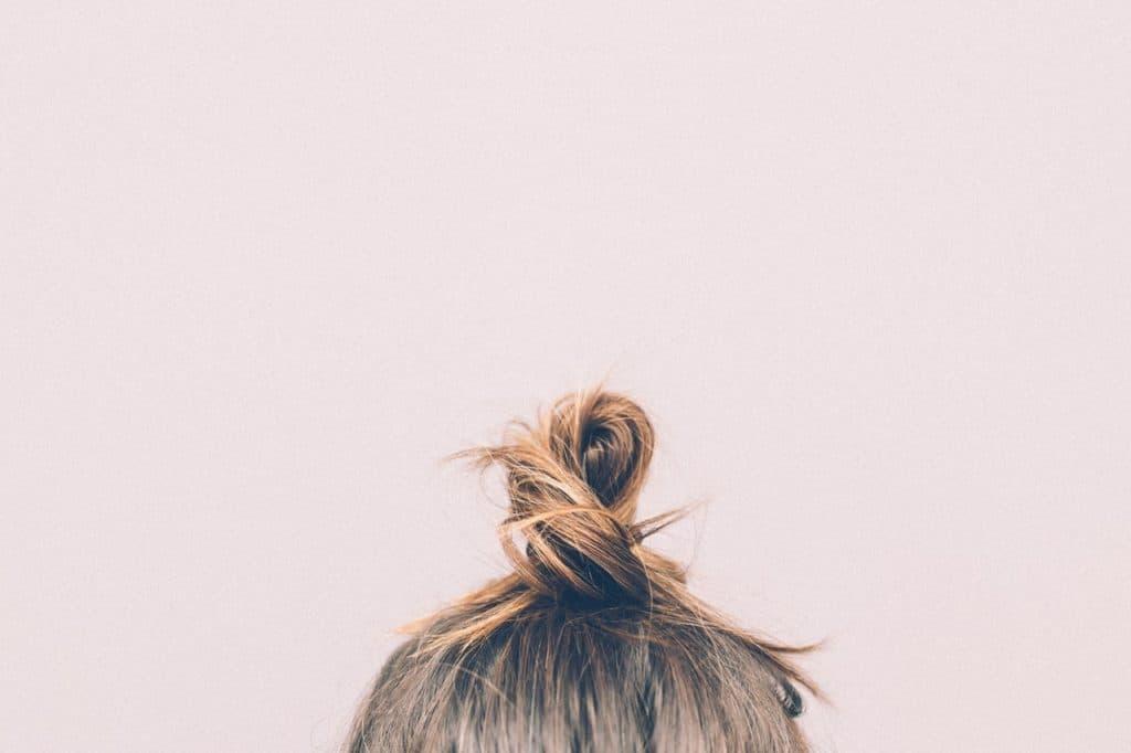 Se faire arracher les cheveux en rêve