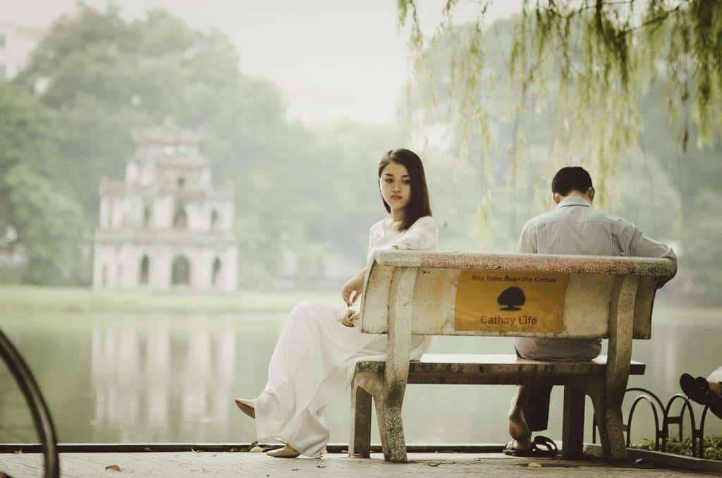 Un couple en plein tourment après une infidélité